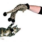 Šifra: 4566 Igracka za macke,rukavica sa 4 loptice, leopard sara